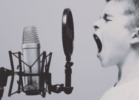 "ADHD: una parafrasi di ""Argentovivo"""